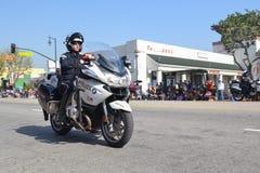 Motorfietspolitieman tijdens 117ste Gouden Dragon Parade, Royalty-vrije Stock Afbeeldingen