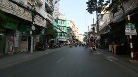 Motorfietsverkeer in Saigon Wordt gevestigd in het Zuiden van Vietnam stock footage