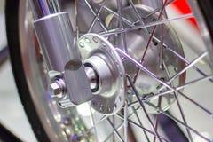 Motorfietswielen, draad spokes van een motorfiets royalty-vrije stock foto