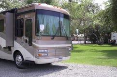 Motorhome dans le terrain de camping Photos stock
