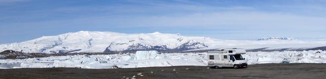 Motorhome at Jokulsarlon glacier lake Royalty Free Stock Photos