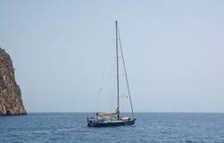 Motori della barca a vela fuori Immagini Stock