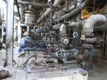 Motori elettrici che guidano le pompe idrauliche industriali durante la riparazione Immagini Stock Libere da Diritti