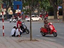 Motorini nel traffico Fotografia Stock