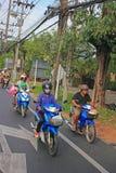 Motorini nel traffico, Tailandia Fotografie Stock Libere da Diritti