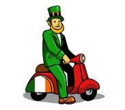Motorino di giro del leprechaun Fotografie Stock Libere da Diritti