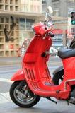Motorino rosso fotografia stock libera da diritti