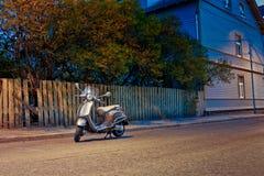 Motorino solo dalla via Fotografia Stock Libera da Diritti