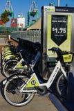 Motoriserade cyklar tillfogade till offerings för stads- transport för LA arkivfoton