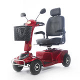 Motorisierte ältere Menschen des Mobilitätsrollers fot Stockbilder