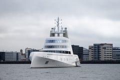 Motorisk yacht A Arkivbild