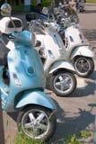 Motoriska sparkcyklar i rad Royaltyfri Bild