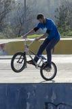 Motorista de BMX Imágenes de archivo libres de regalías