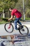 Motorista de BMX Fotografía de archivo libre de regalías