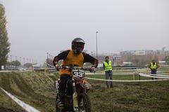 Motorista de la motocicleta de la raza de Ironbike Imagen de archivo