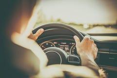Motorista e o carro fotos de stock