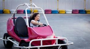 Motorista pequeno sério Fotografia de Stock Royalty Free
