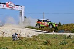 Motorista ucraniano Valeriy Gorban e copiloto Volodymyr Korsia fotografia de stock