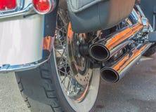 Motorn och avgasrörröret av en motorcykel Arkivbild