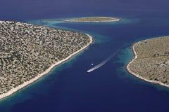 Motorowa łódź w Kornati archipelagu Fotografia Royalty Free
