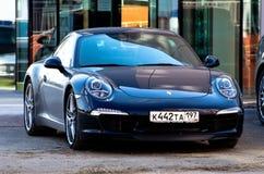 Motorowy samochód Porsche 911 w ulicie Rosja moscow Kwiecień 24 2012 Zdjęcie Stock