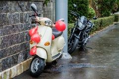 Motorräder und Hochzeitsballone Lizenzfreies Stockbild