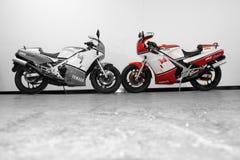 Motorräder zwei Rd 500 von Lizenzfreie Stockfotos