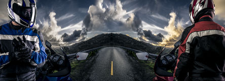 Motorracers op een HDR-Road Scène stock afbeeldingen