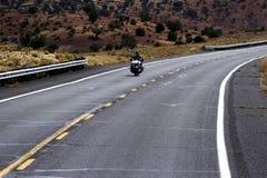 Motorrad auf Datenbahn stockfoto