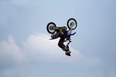 Motorrad-Bremsungs-Sprung Lizenzfreie Stockfotos