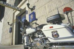 Motorrad geparkt in Wilmington, Delaware Polizeirevier lizenzfreie stockfotografie