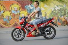 Motorrad in Hanoi, Vietnam stockfotos