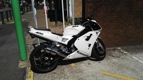 Motorrad Kawasakis 400 Lizenzfreie Stockfotos