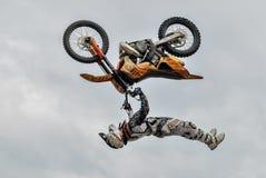 Motorrad-Springen Tyumen Russland Stockfoto