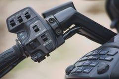 Motorrad-Ton und helle Kontrollen Stockbild