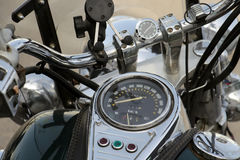 Motorradarmaturenbrett und Lenkrad, Ansicht vom Fahrersitz Lizenzfreie Stockfotografie