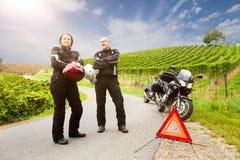 Motorradfahrer auf Ausflug lizenzfreie stockfotos
