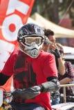 Motorradfahrer auf Bahn Lizenzfreie Stockbilder