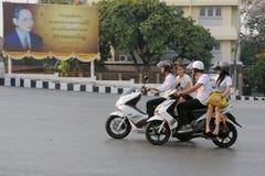 Motorradfahrer in Bangkok Stockfoto