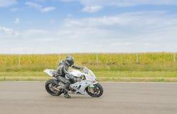Motorradlaufen Lizenzfreies Stockfoto