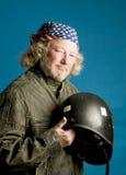 Motorradmitfahrer mit Sturzhelm amerikanische Flagge Bandana Lizenzfreie Stockfotos