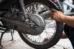 Motorradreifenreparatur Lizenzfreie Stockfotografie