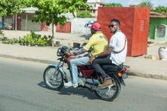 Motorradtaxi in Benin Stockfotos