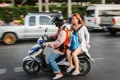 Motorradtaxiservice in Bangkok Stockfoto