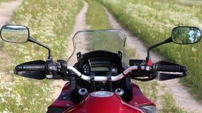 Motorsycle vägfält Arkivfoto