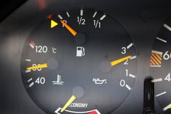 Motortemperatur, olje- tryck, economiser Arkivfoto