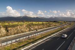 Motorväg AP-61 Madrid-Segovia spain Få medel Royaltyfria Foton