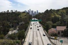 Motorväg 110 in i Los Angeles Arkivfoto