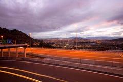 Motorväg och panoramautsikt av den västra sidan av Santiago Fotografering för Bildbyråer