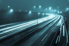 Motorväg på natten Royaltyfria Bilder